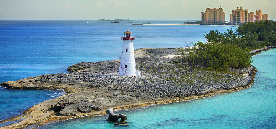 Bahamas destination lighthouse shutterstock 171947027 opt