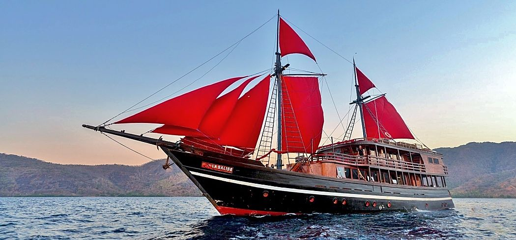 La Galigo Indonesia liveaboard sailing opt