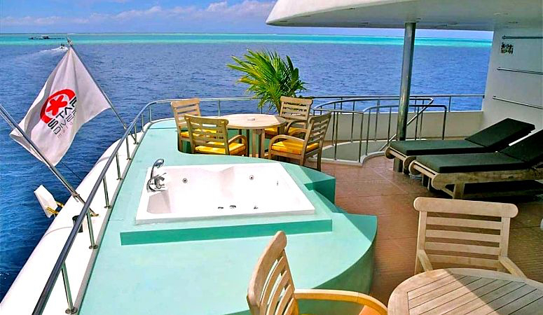 3 horizon iii jacuzzi deck opt