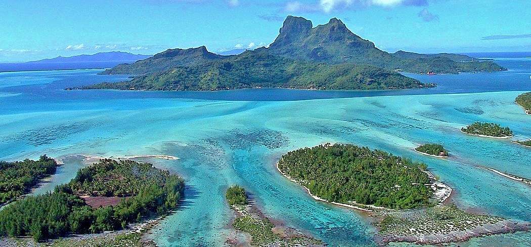 Tahiti islands reefs shutterstock 130904 opt 2